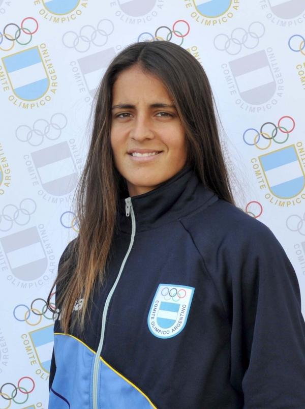 CARLE, María Lourdes
