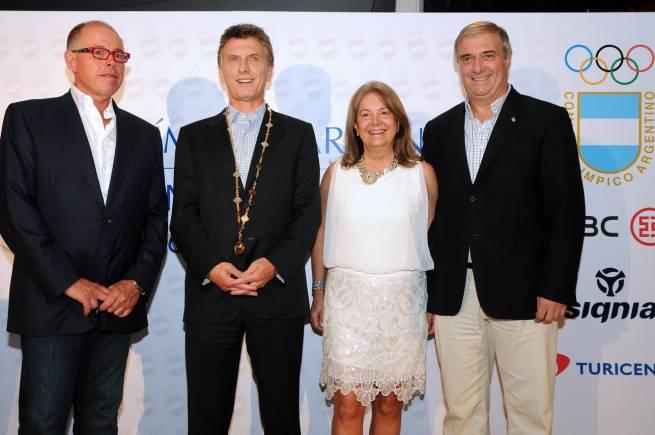 MAuricio Macri recibió la Orden de Honor del COA